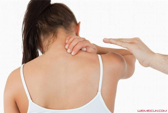 后背疼痛是什么原因